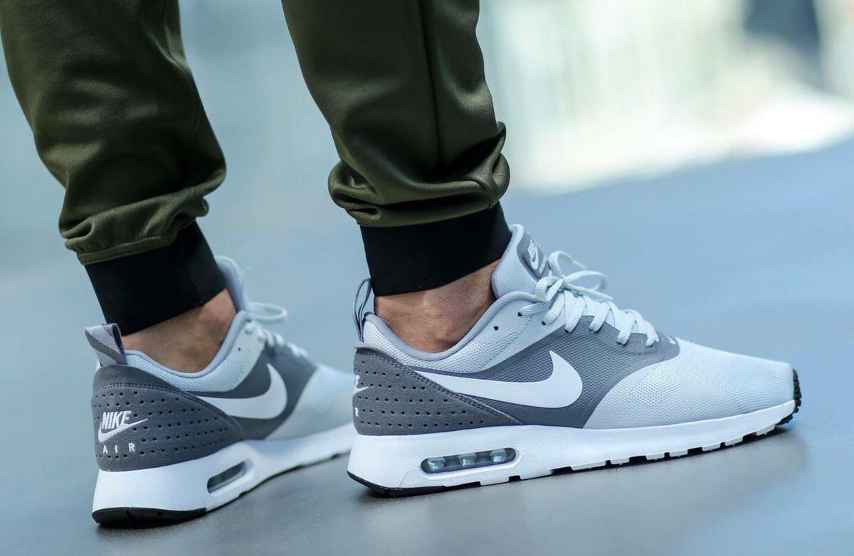 Nike Air Max TavasGris White Chaussures Hommes  Chaussure Et Hommes