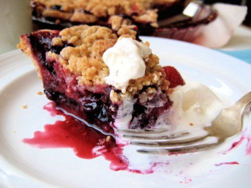 Berry Crumble Pie, Sour Cream Ice Cream