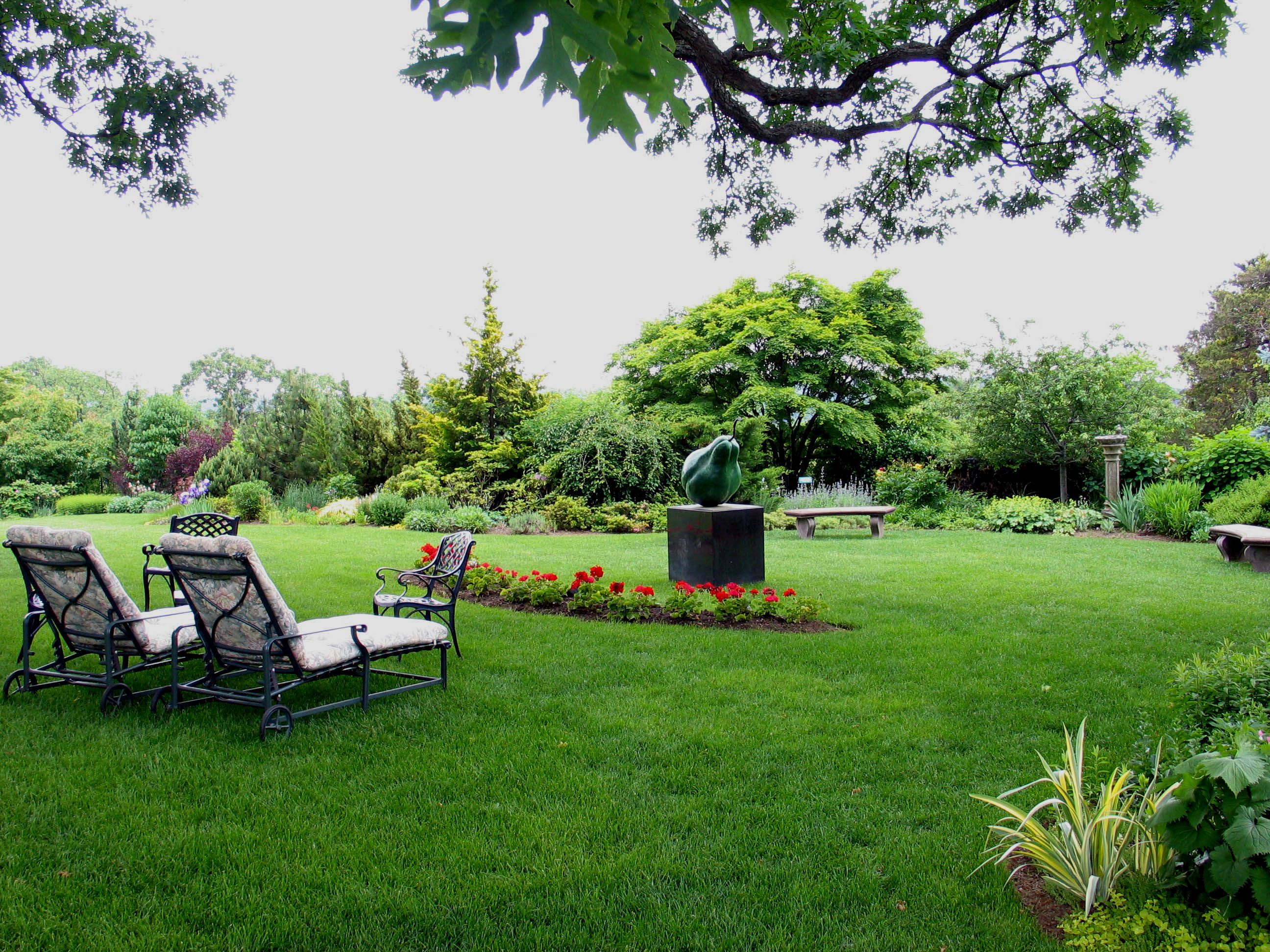Pear And Gardens Castle Hotel & Spa In Tarrytown