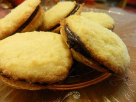 Ginny's Low Carb Kitchen: Mouth Watering Vanilla Cream Sandwich Cookies with Chocolate Filling