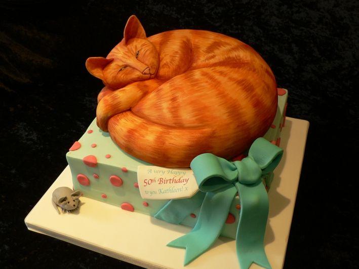 chocolate sculpted cat cake