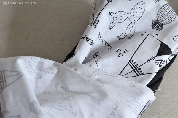 Furoshiki, ou comment se passer de papier cadeau [DIY Zéro Déchet] #furoshikituto Furoshiki, ou comment se passer de papier cadeau [DIY Zéro Déchet] | Range tes jouets ! #couturezerodechet