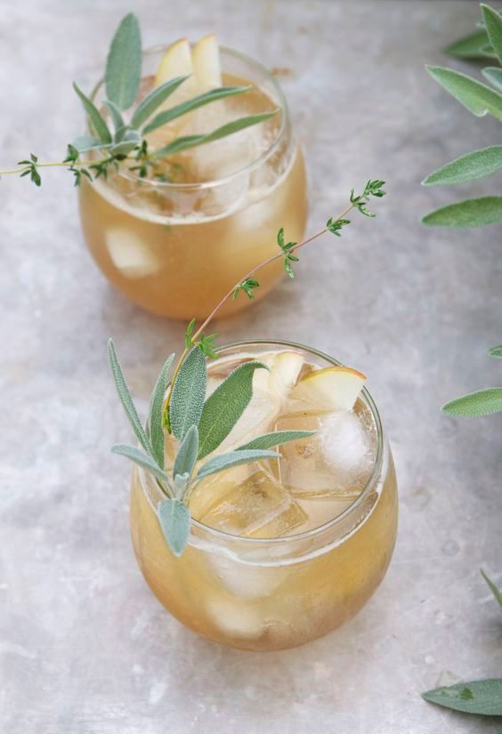 Bourbon and Spiced Pear Cocktail