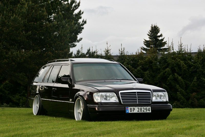 Benz W124 Wagon Family Car With Images Mercedes Benz