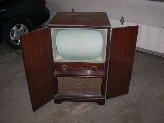 Black And White Tv 1950 S Our First Was Similar To This