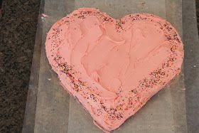 Mix and Match Mama: How to make a heart cake!