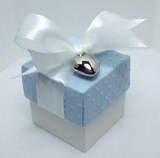 square  gift box ... good as cupcake box too!!!!