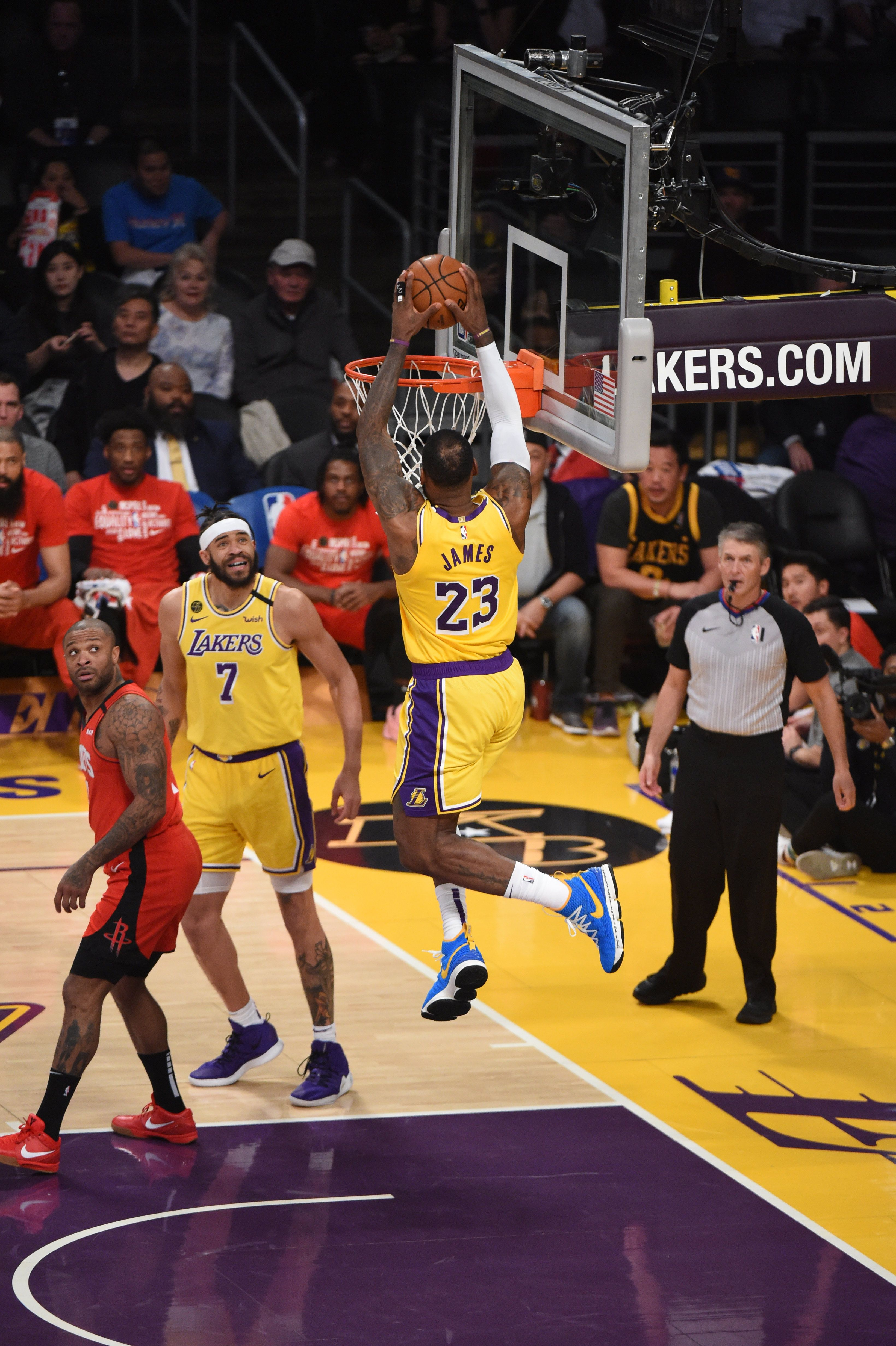 Photos Lakers Vs Rockets 02 06 2020 Los Angeles Lakers In 2020 Lakers Vs Rockets Lebron James Lakers Lebron James Wallpapers