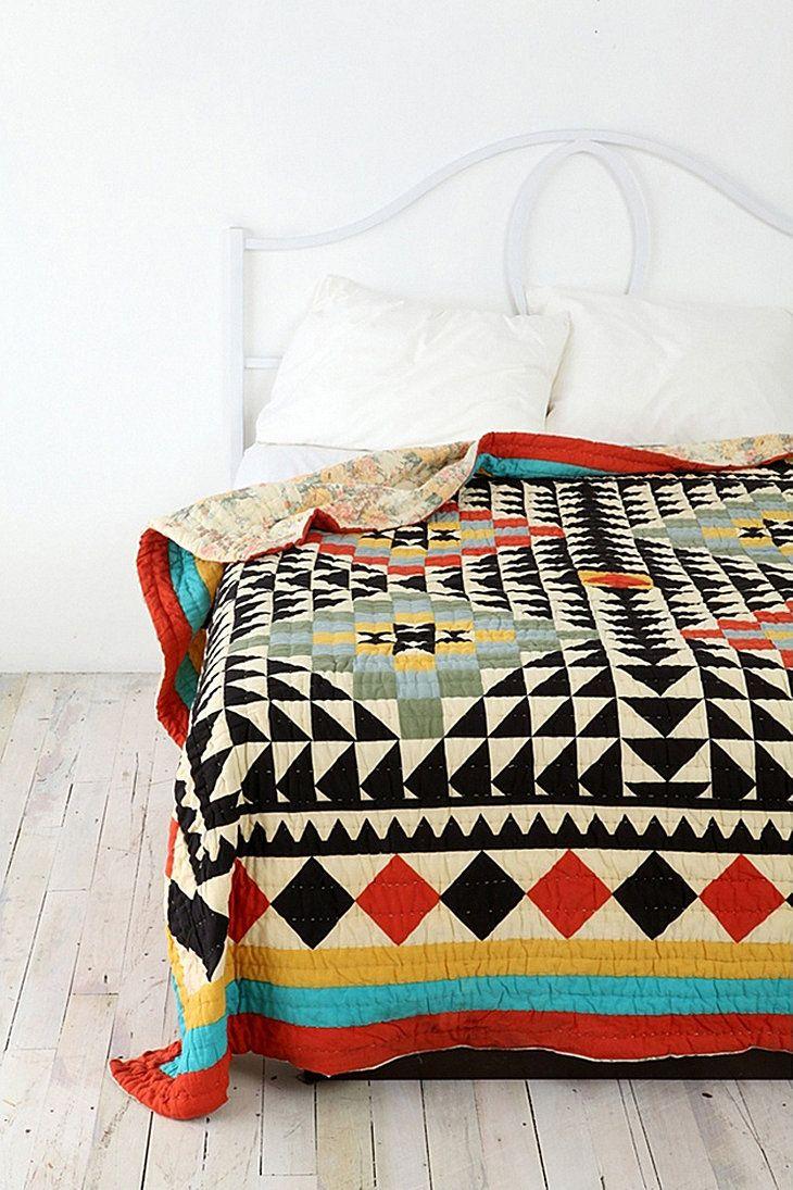couvre lit motif kal idoscope r versible fouillis pinterest couvre lit couvre et lits. Black Bedroom Furniture Sets. Home Design Ideas