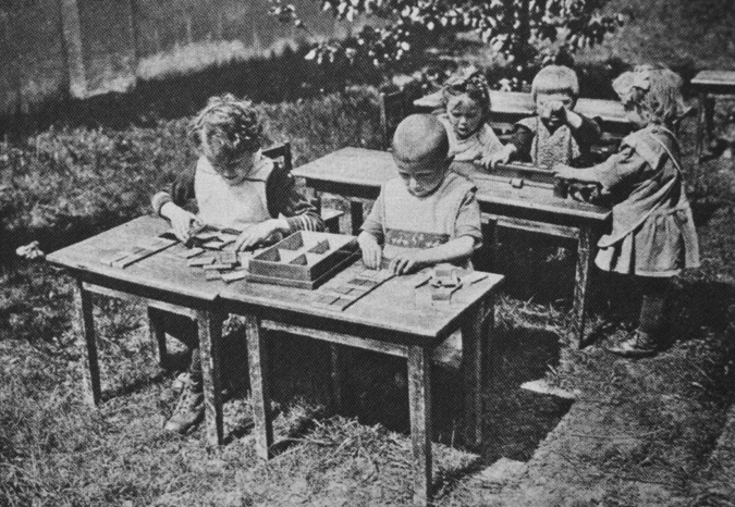 Montessori - Paperback - Angeline Stoll Lillard - Oxford ...