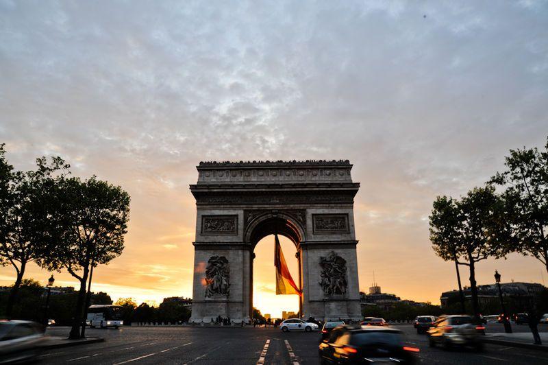 El marvilloso Arco del Triunfo, París