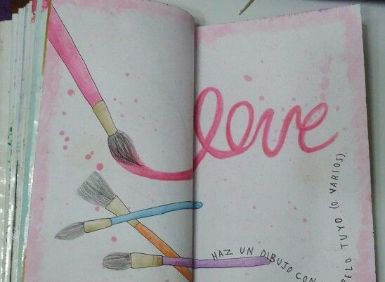 """Destroza este diario/ Wreck this Journal """"haz un dibujo con un pelo tuyo (o varios)"""