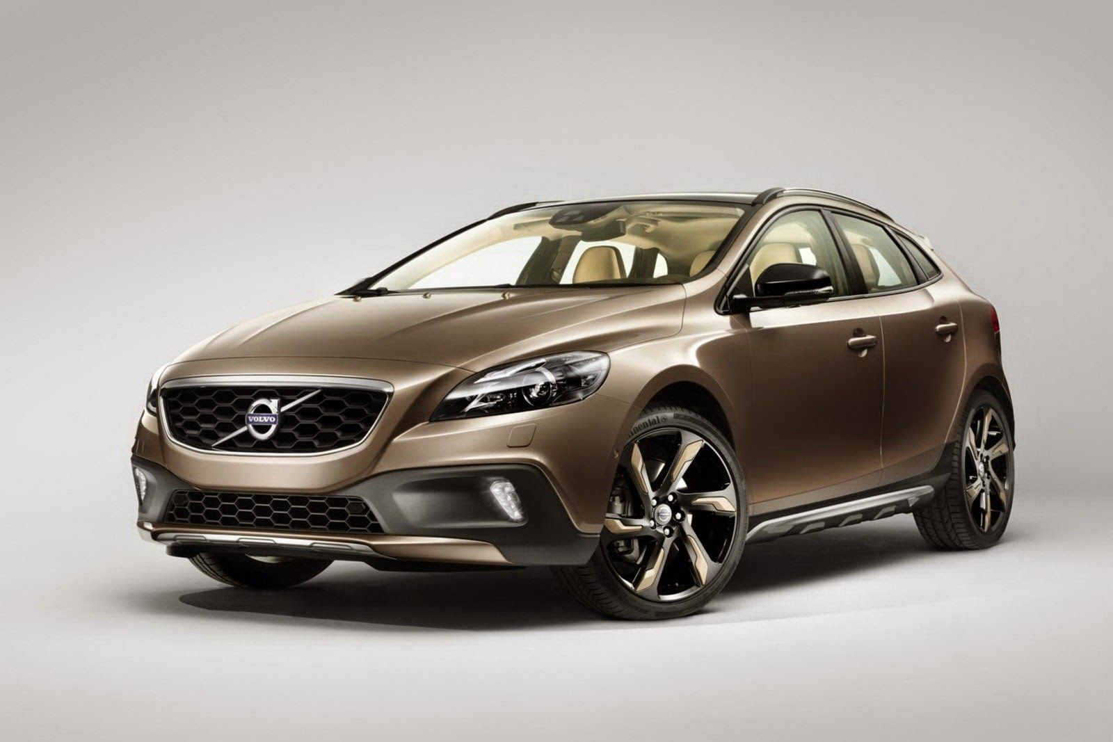 Volvo V40 Cross Country T4Launching Soon in India Volvo
