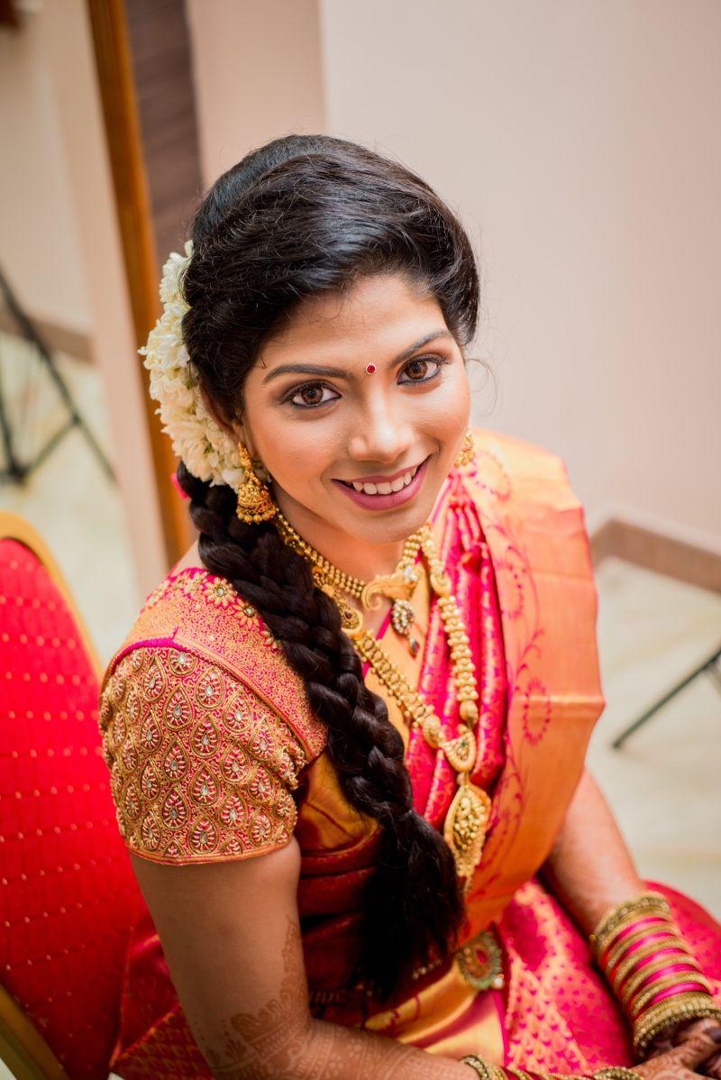 Peach color saree for wedding saree bride looks pretty with simple and elegant peach colour
