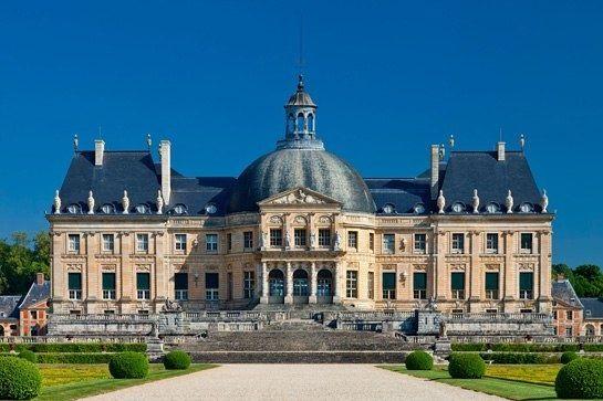 CHATEAU VAUX LE VICMONTE  The 17th-century château Vaux-le-Vicomte, whose designers would go on to create the palace of Versailles