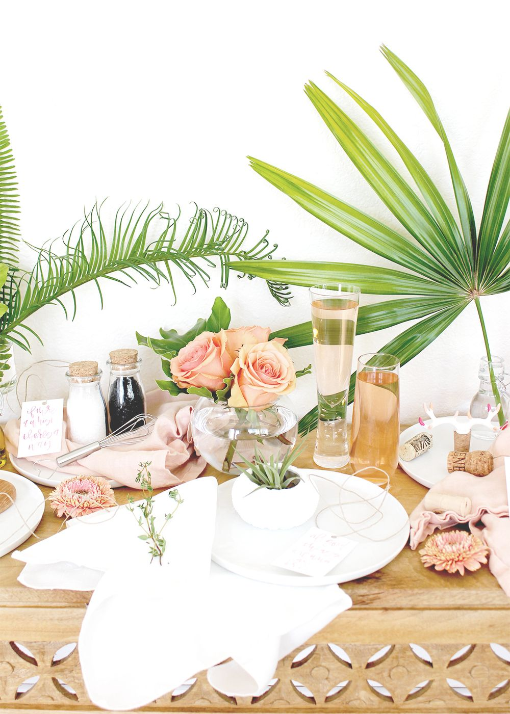 5 Favors Your Friends Will Actually Keep | Tropical wedding decor ...
