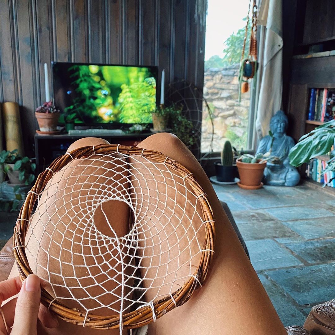 "Anna Grace Childs on Instagram: ""Spendin my birddday creatin, ain't nothin better really✨ . . . #weaversofinstagram #weaving #dreamcatchers #bohodecor #virginiaartist"""