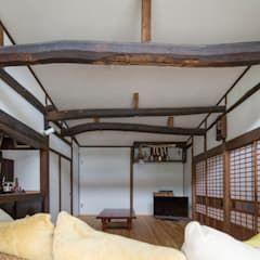 築100年の古民家再生 リビング障子 和風デザインの リビング の 一級建築士事務所 感共ラボの森 和風 | homify