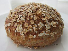 Xandra bakt brood: Zachte spelt-volkorenbolletjes met speltvlokken