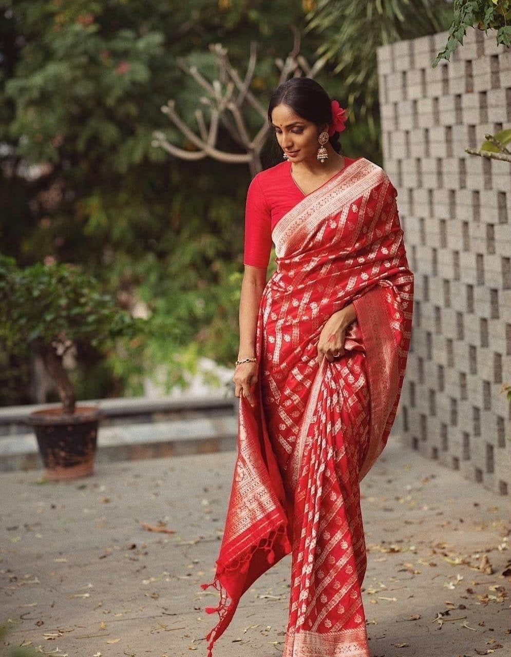 Soft Silk Saree Beautiful Rich Pallu Jacquard Work On All Over Saree Jacquard Border On Blouse for Traditional Marriage Formal Look