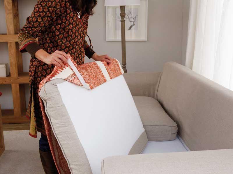 Renovar el sof decoracion fundas para sillones - Tapizar cojines sofa ...