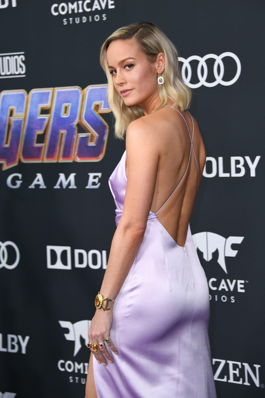 d5c18dbf21b4 Las joyas inspiradas en los Avengers que lucieron Scarlett Johansson y Brie  Larson en la premiere