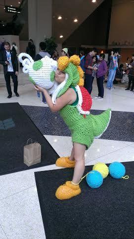 yarn yoshi cosplay Yoshi Costume, Video Game Cosplay, Awesome Costumes,  Cosplay Costumes,