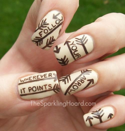 Arrow nail art