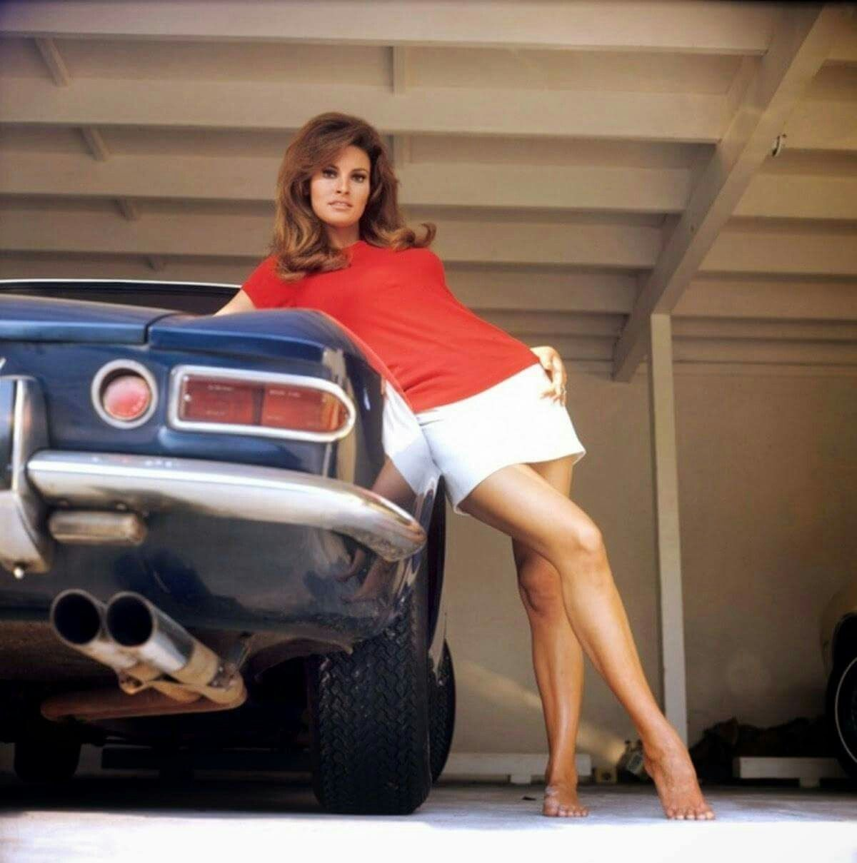 Pin By Bill Ike On Raquel Welch (With Images)