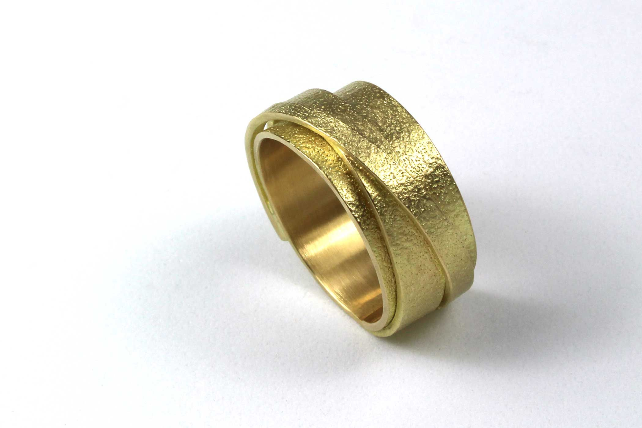 Deborrah Daher, Wrapped Wedding Band, 18k
