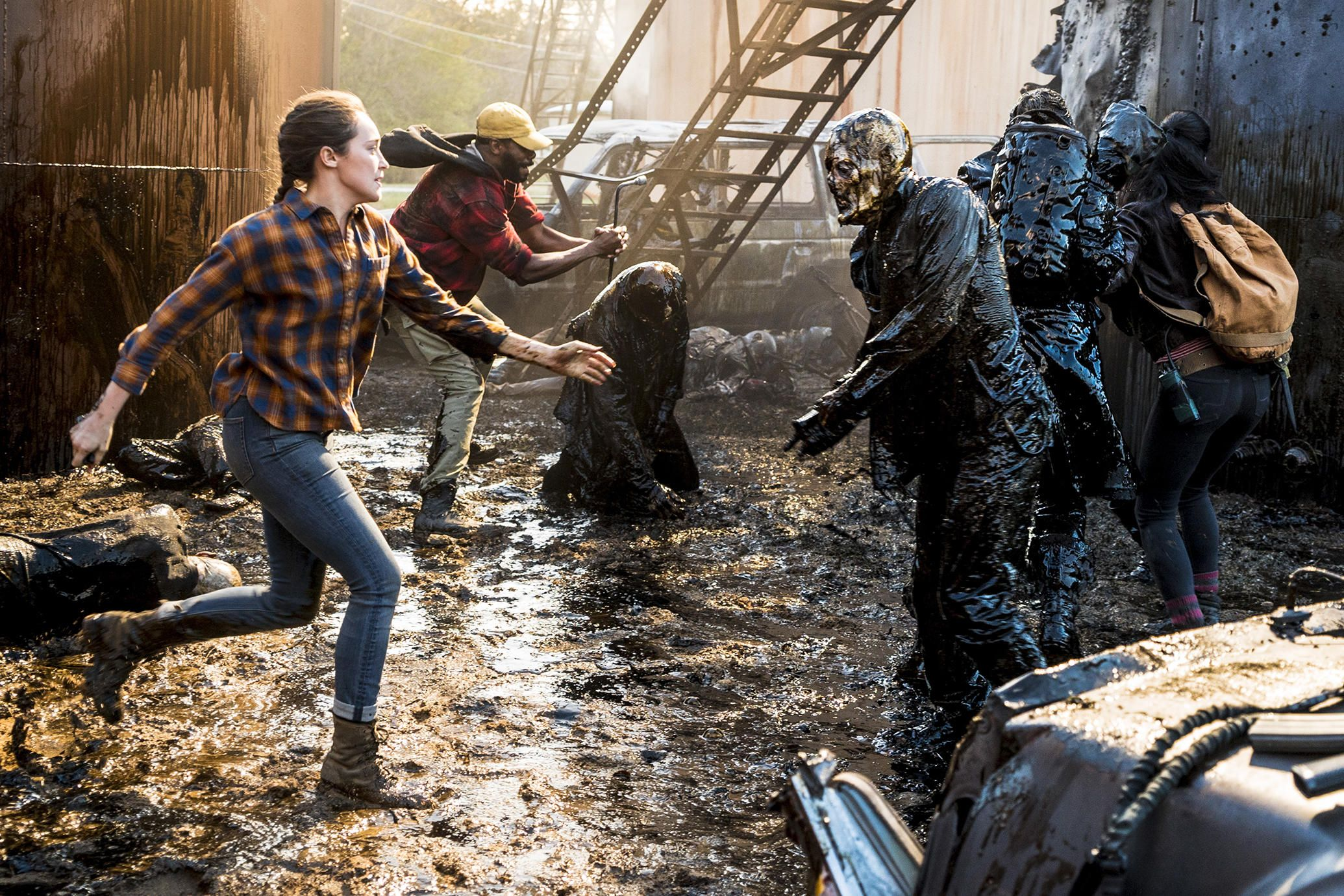 Fear The Walking Dead Season 4 First Look Photos Of Alicia Strand And Luciana Fear The Walking Dead Walking Dead Season 4 Fear The Walking