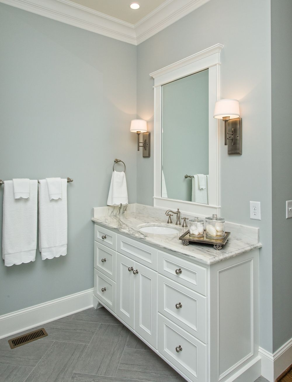 Beautiful Master Bathroom Complete With His And Hers Vanities In This Custom Built Home In Greenvill Bathrooms Remodel Master Bathroom Bathroom Interior Design