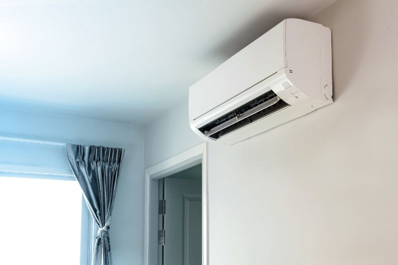 Keeping It Cool With Environmentally Friendly Air Conditioners Air Conditioning Installation Split System Air Conditioner Central Air Installation
