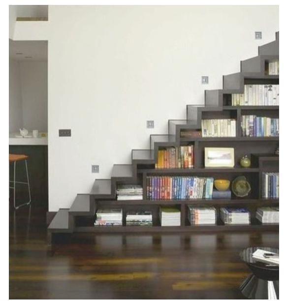 Escaleras y Biblioteca