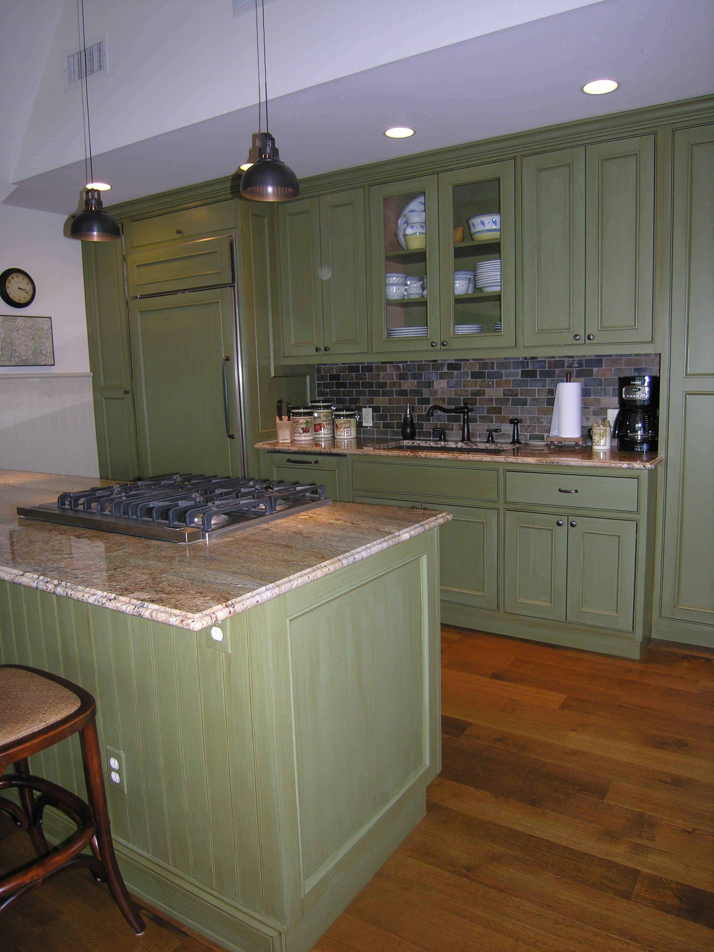 Best Spray Painted Cabinets With Strie Finish And Seal 400 x 300