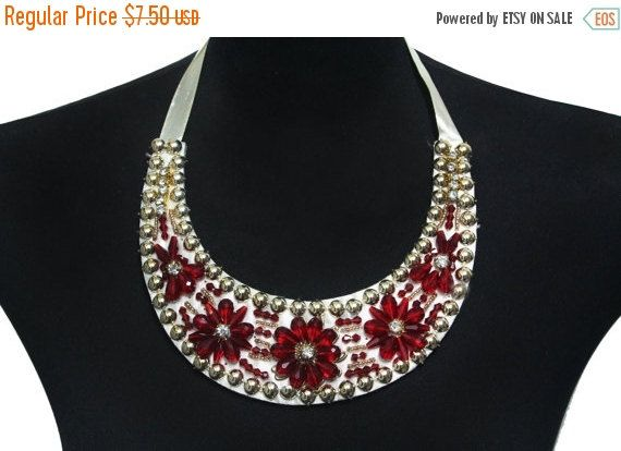 SALE Beaded Necklace Collar with Lacing for Fashion and Crafts - exklusives treppen design