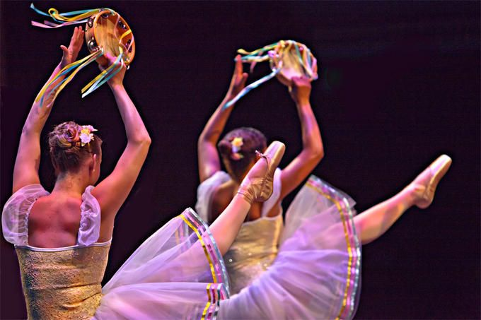 Tambourines (With images) | Praise dance, Dance pictures ...