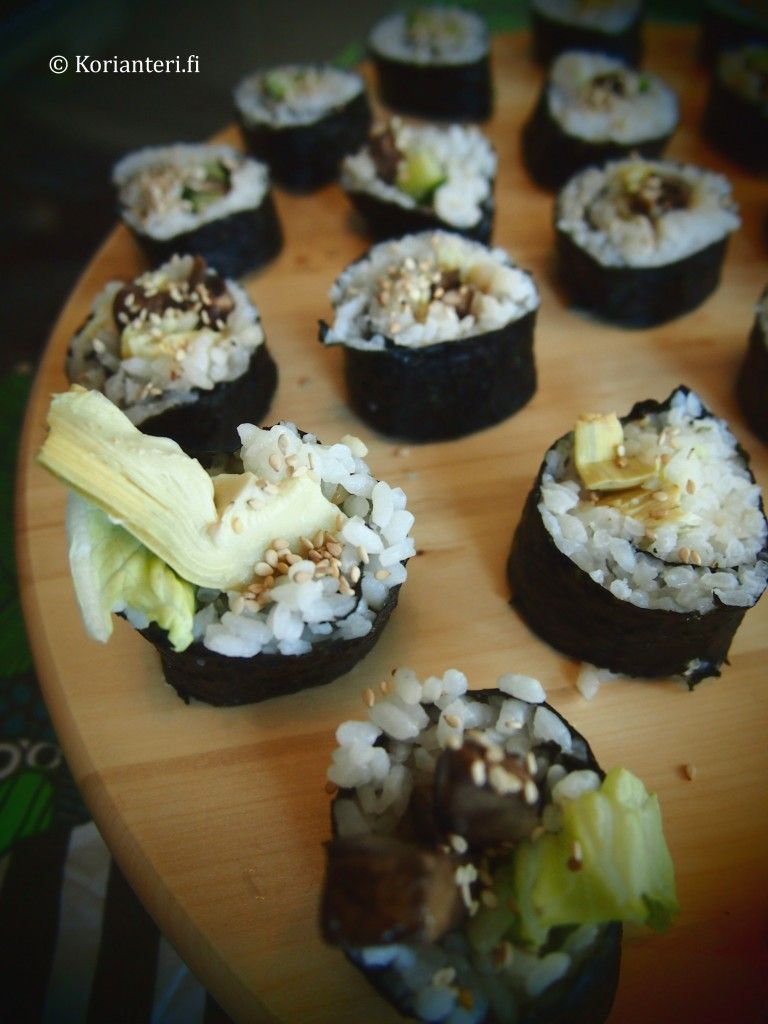 Vegetable sushi. Also a daring new experience: sushi with artichoke!