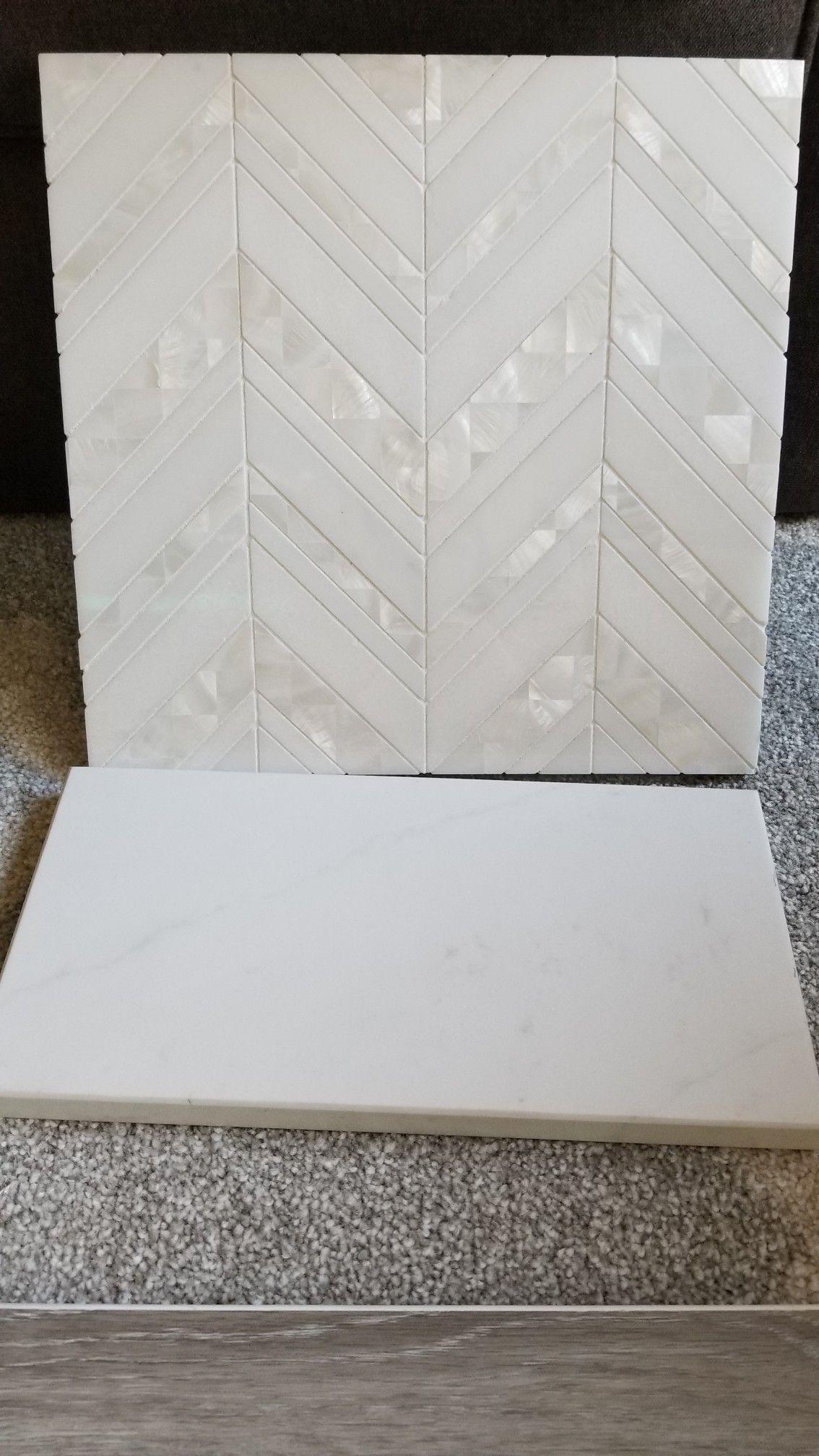 Marble back splash chevron mir mosaic alaska collection pearl island ala c11 grout laticrete - Voir ma maison en direct ...