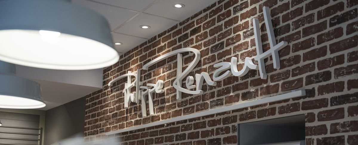 Pin By Ahlem Friji On Boulangerie Magasin In 2020 With Images Coffee Shop Neon Signs