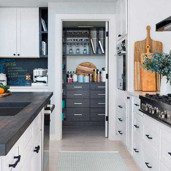 Malibu White Shaker Cabinet Sample #whiteshakercabinets