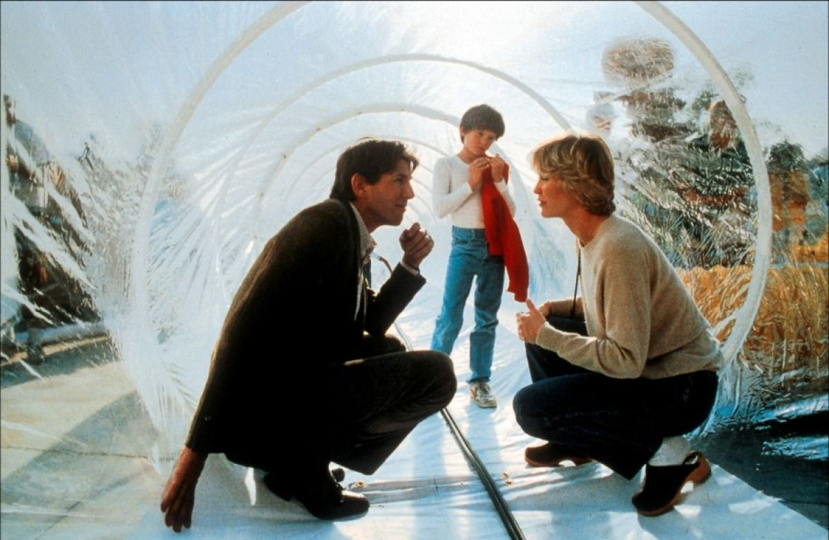 henry thomas dee wallace and peter coyote in et the