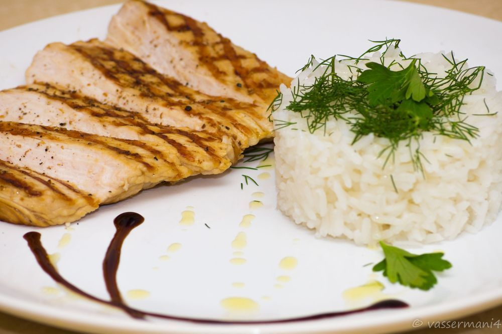 Отбивная из индейки на гриле с рисом и травами | Рецепт ...