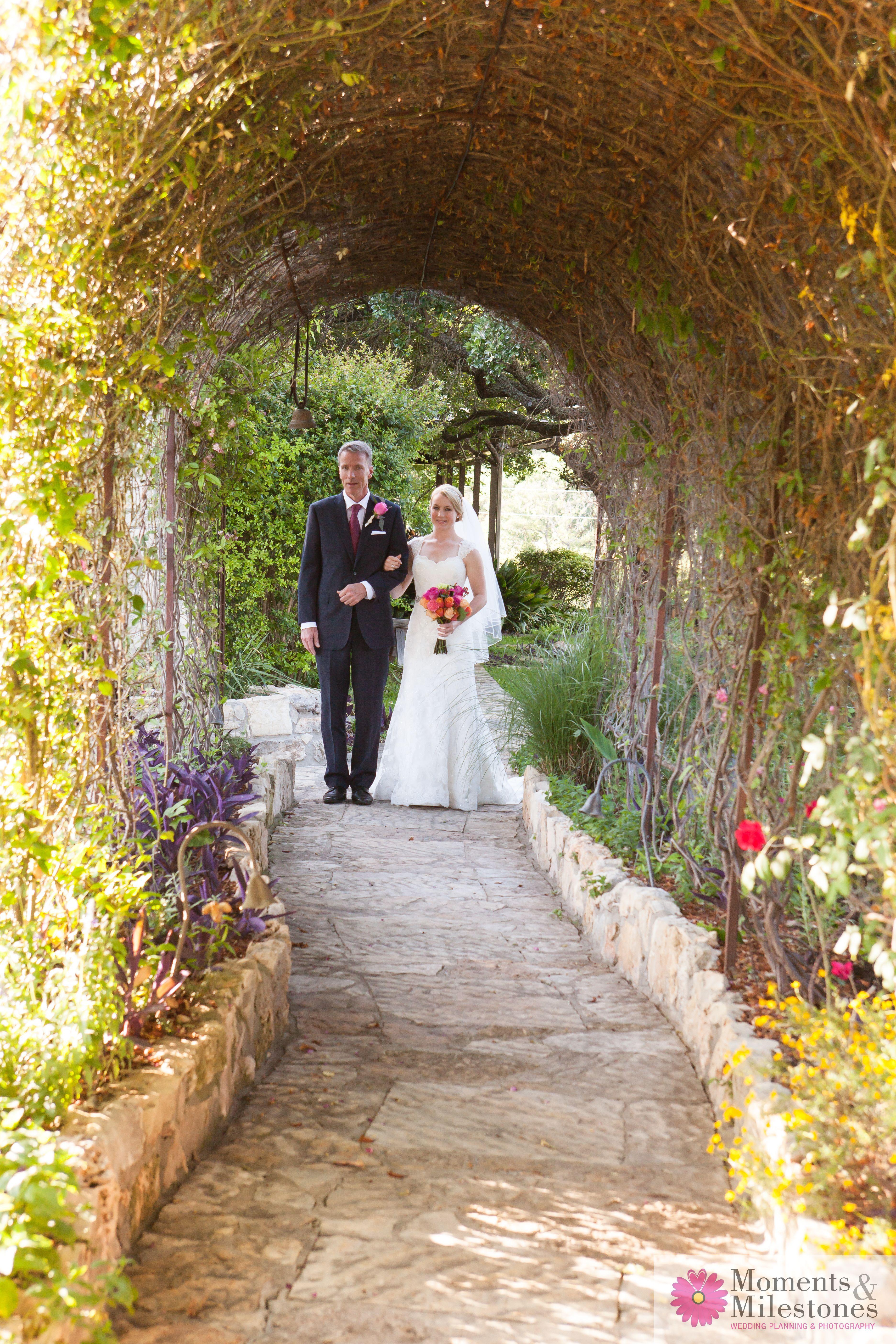 ad7019bc22082e8e8a82db9a203850f5 - San Antonio Botanical Gardens Wedding Price