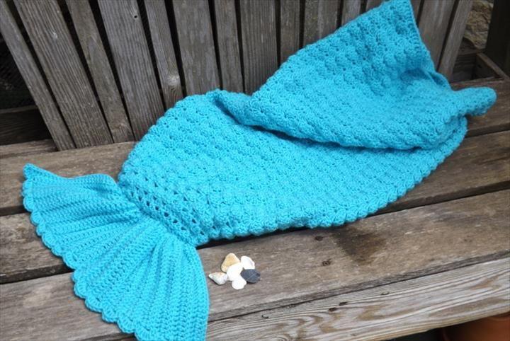 22 Free Crochet Mermaid Tail Blanket Patterns | Bebe