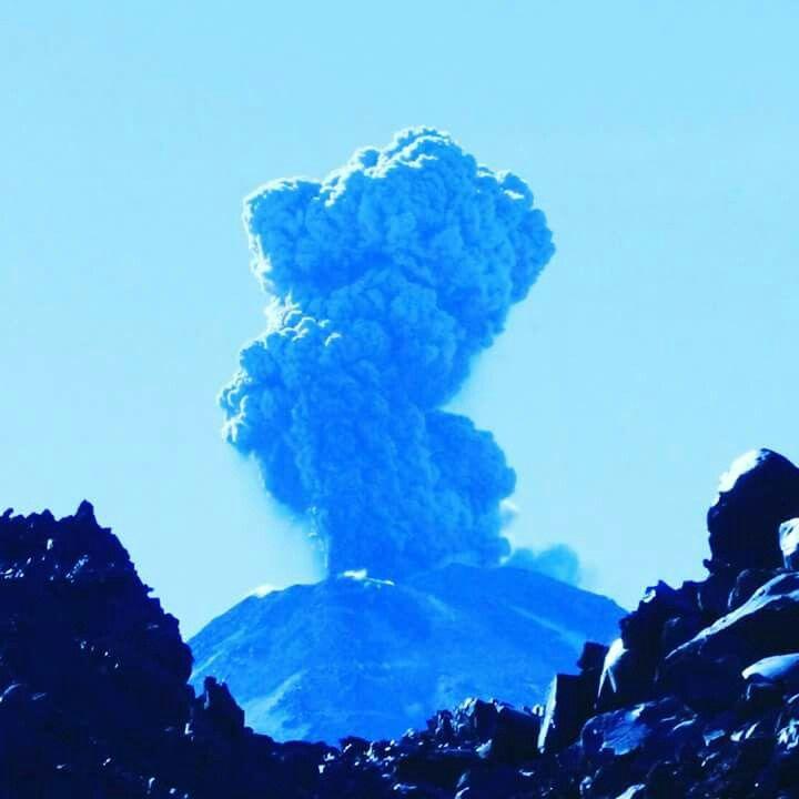 Pulso eruptivo del Volcán Chillán Nuevo. Septiembre 2016. Chillán, VIII Región del Biobío, Chile.