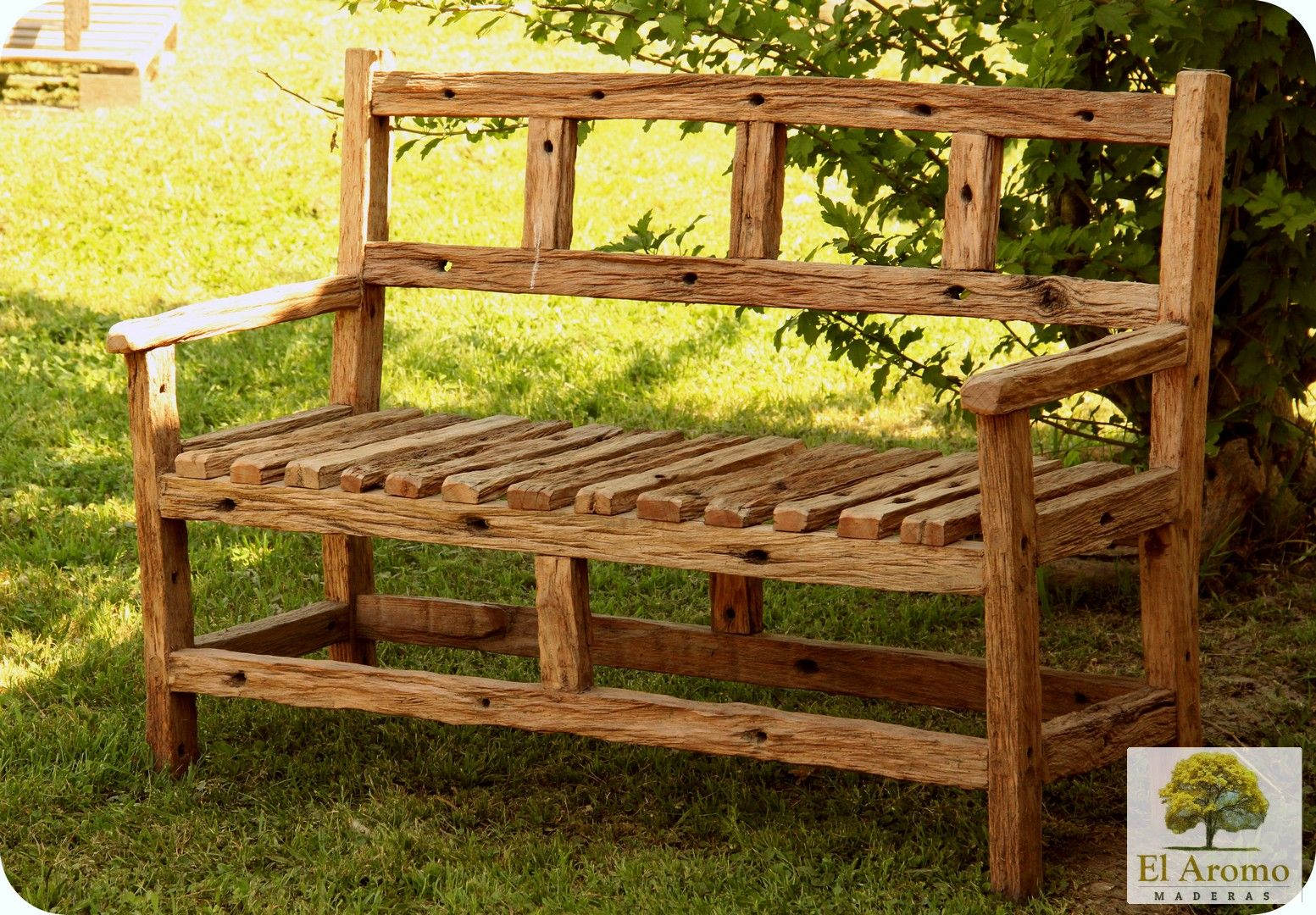 Sill n r stico para ni os hecho con varillas de alambrado for Muebles de madera para ninos