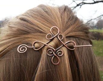 Keltische Knoten Haarspange Mit Echten Edelstein Trinity Triquetra Haarnadel Wikinger Kupfer Haarspange Schal Pins In 2020 Wikinger Frisuren Keltische Knoten Schal Pin