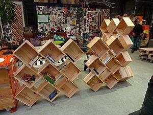 caisses de vin r cup pour une biblioth que originale et modulable simply diy trucs et. Black Bedroom Furniture Sets. Home Design Ideas