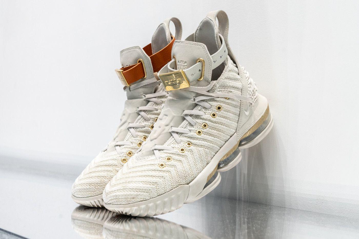 Nike basketball shoes, Nike elite socks
